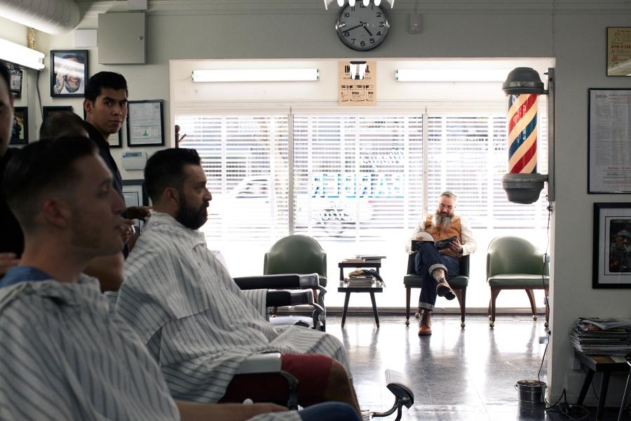 spotlight vinny s barber shop silver lake los angeles the barber archives. Black Bedroom Furniture Sets. Home Design Ideas